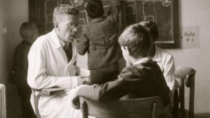 Herwig Czech acusa a Asperger de colaborar con crímenes del Tercer Reich / Foto: YouTube